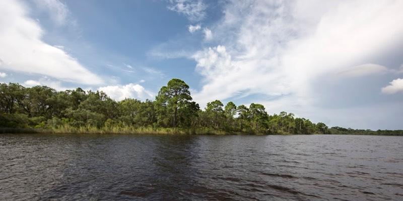 الواجهة البحرية أرض للبيع في ولاية فلوريدا